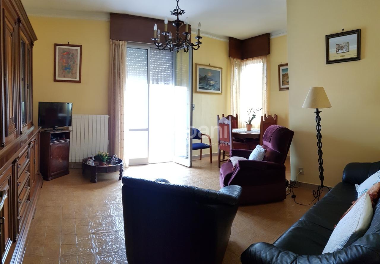 Appartamento in vendita a Vezzano Ligure, 6 locali, prezzo € 137.000 | PortaleAgenzieImmobiliari.it