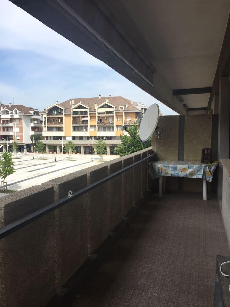 Quadrilocale in buone condizioni arredato in affitto Rif. 8323120