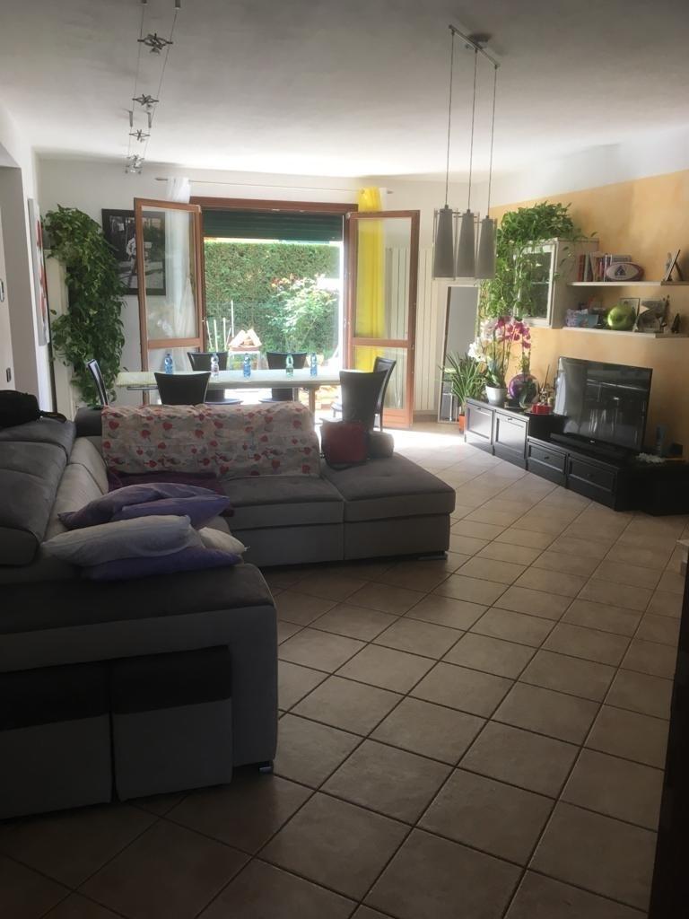 Villetta a schiera in ottime condizioni in vendita Rif. 11909914