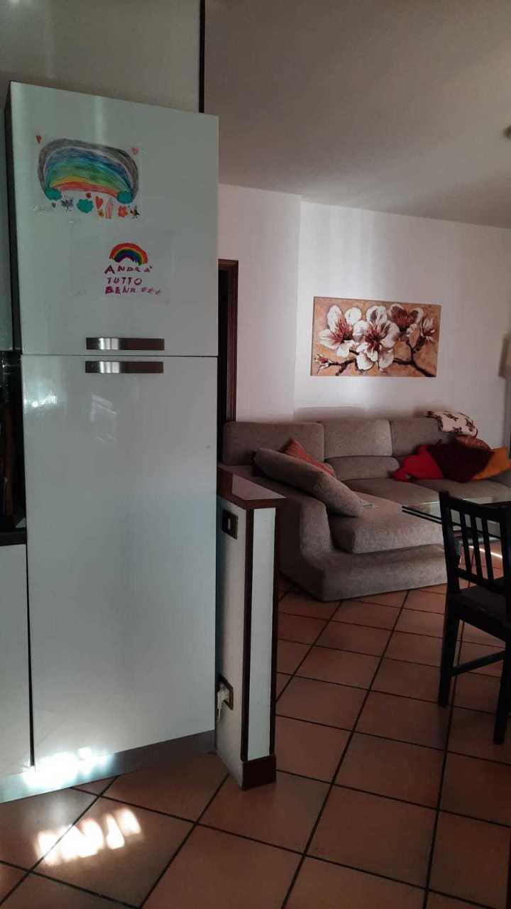 Appartamento in vendita a Villadose, 5 locali, prezzo € 77.000 | CambioCasa.it