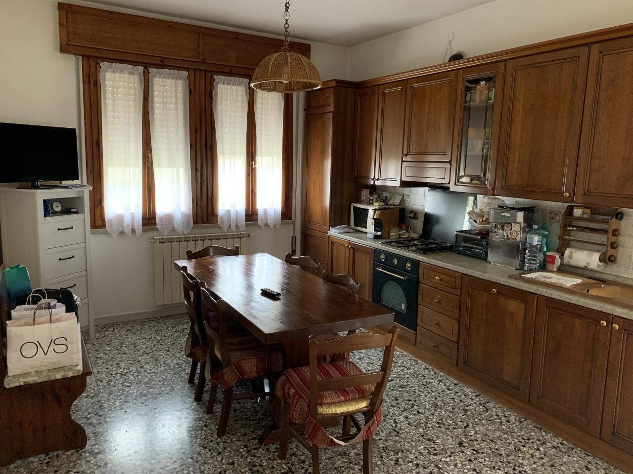 Villa in buone condizioni in vendita Rif. 9558691