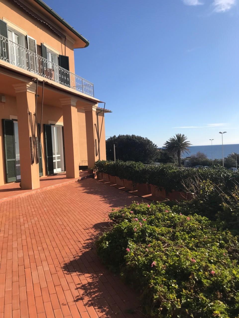 Appartamento in vendita a Livorno, 12 locali, prezzo € 900.000 | PortaleAgenzieImmobiliari.it