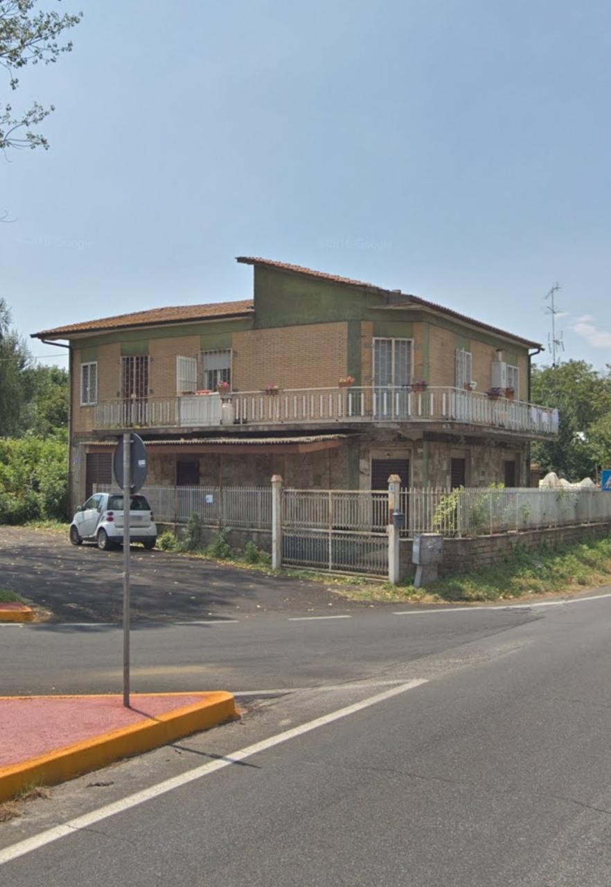 Appartamento in vendita a Palestrina, 4 locali, prezzo € 49.000 | CambioCasa.it