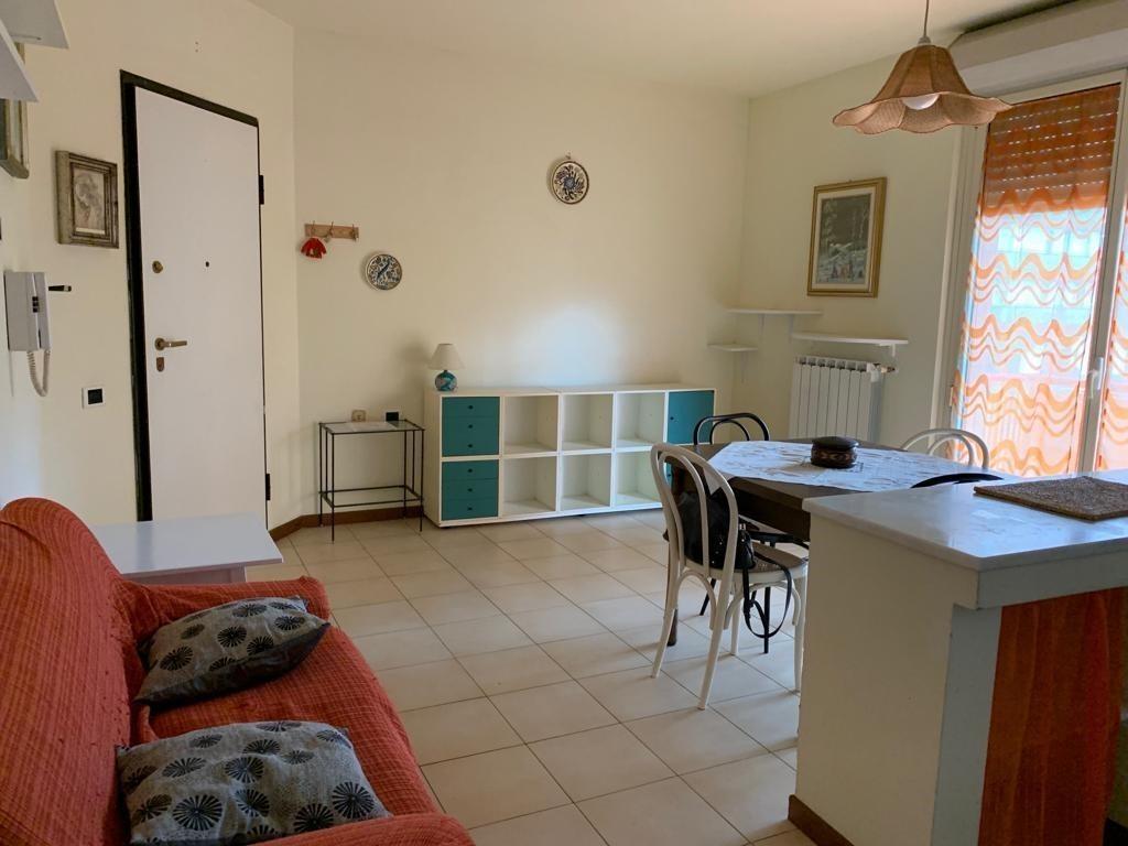 Appartamento in ottime condizioni arredato in affitto Rif. 9966264