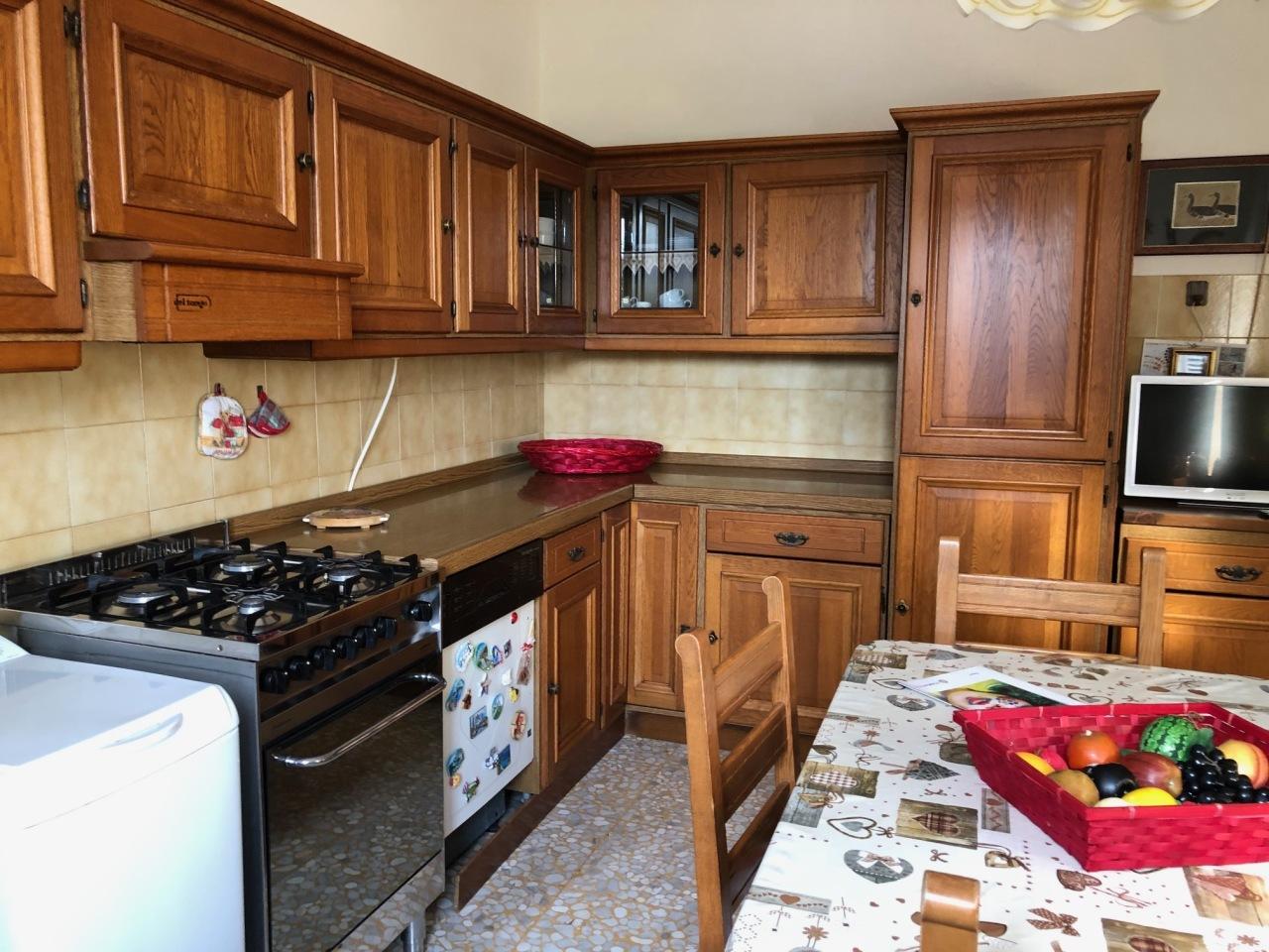 Soluzione Semindipendente in affitto a Ortonovo, 4 locali, prezzo € 500 | PortaleAgenzieImmobiliari.it