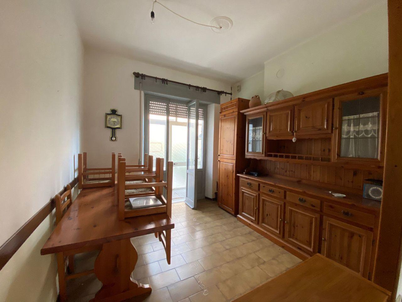 Appartamento in vendita a Fivizzano, 5 locali, prezzo € 59.000   PortaleAgenzieImmobiliari.it
