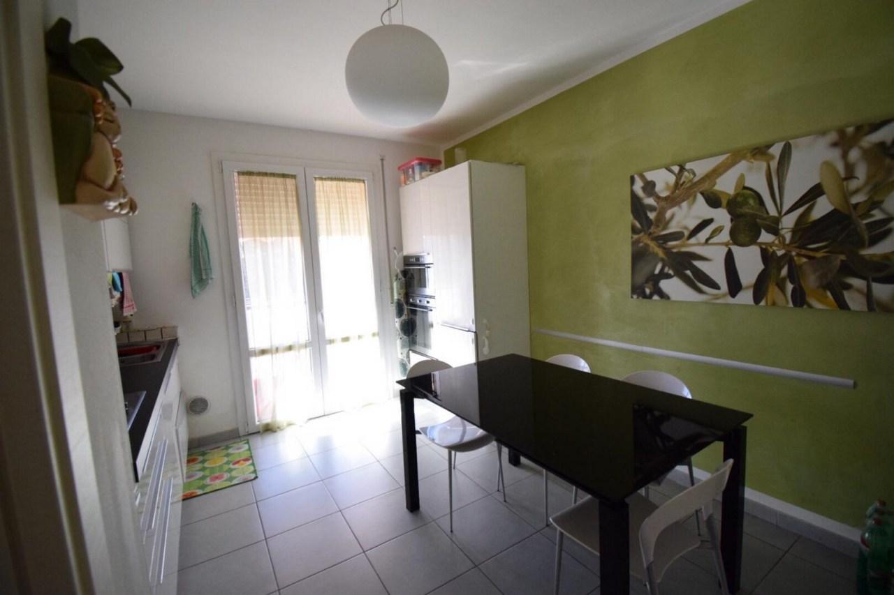 Appartamento in ottime condizioni in vendita Rif. 9863468