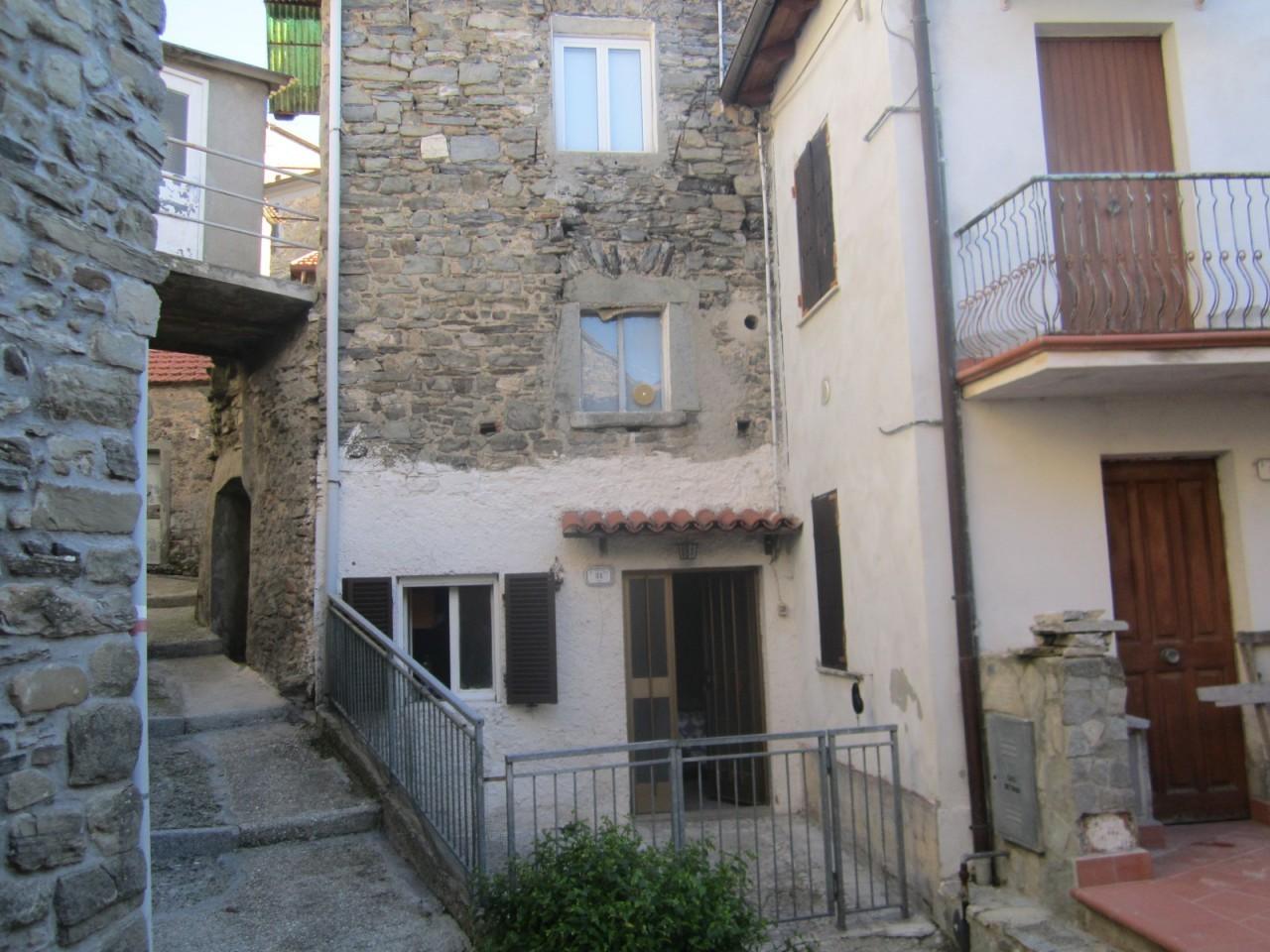 Appartamento in vendita a Tresana, 4 locali, prezzo € 45.000 | PortaleAgenzieImmobiliari.it