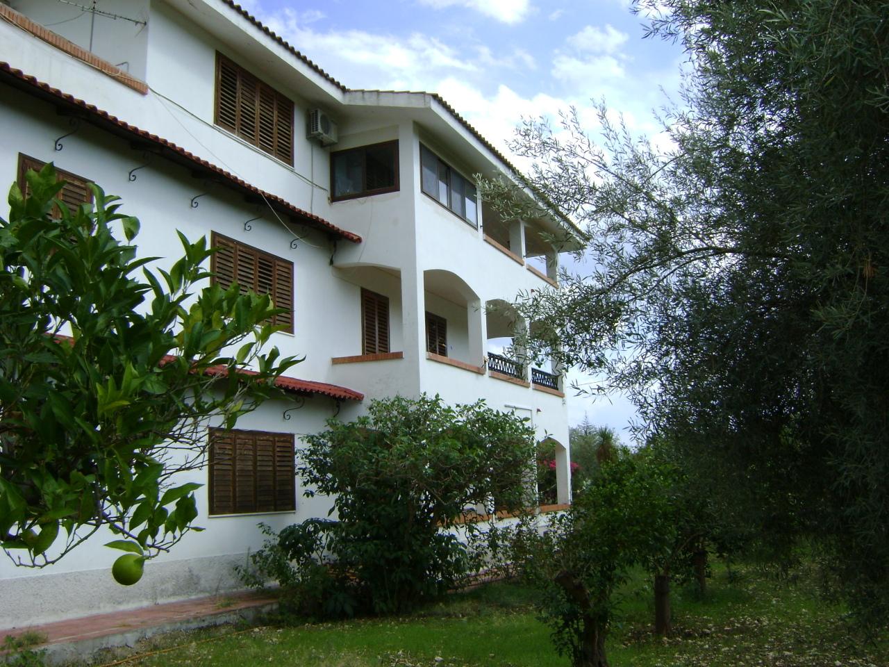 Villa da ristrutturare in vendita Rif. 9871394