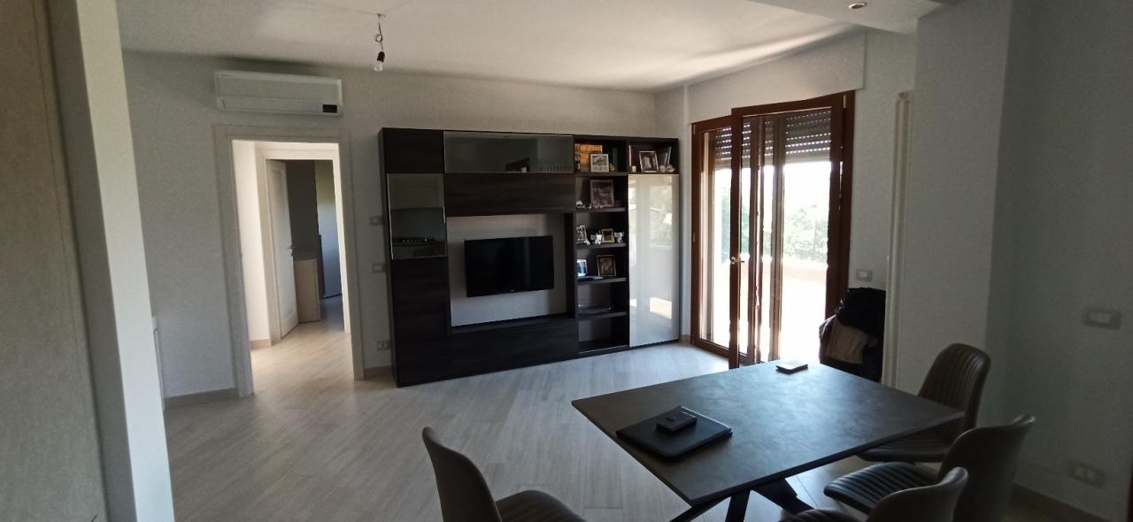 Appartamento in vendita a Sarzana, 3 locali, prezzo € 220.000 | PortaleAgenzieImmobiliari.it