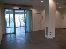 Attività commerciale in Affitto a Rimini, zona SAN GIULIANO - CELLE, 24'000€, 160 m²