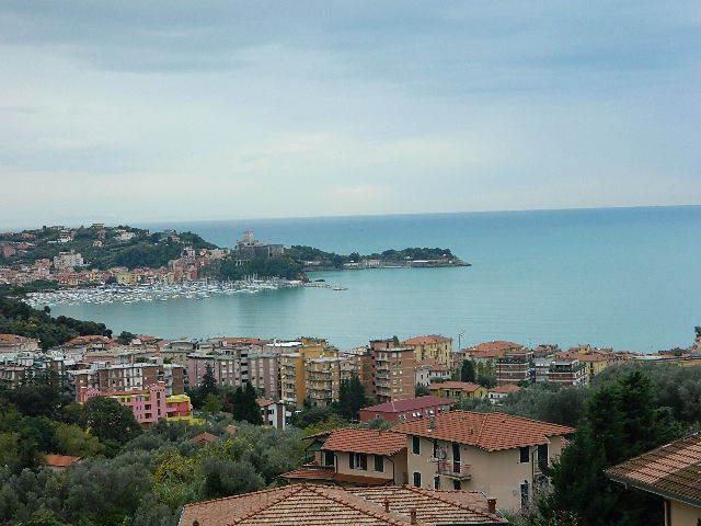 Appartamento in affitto a Lerici, 8 locali, prezzo € 2.000 | PortaleAgenzieImmobiliari.it