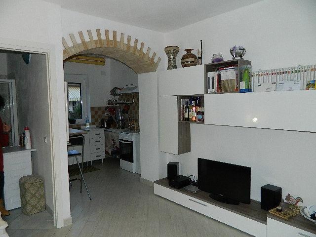 Appartamento ristrutturato in affitto Rif. 8518249