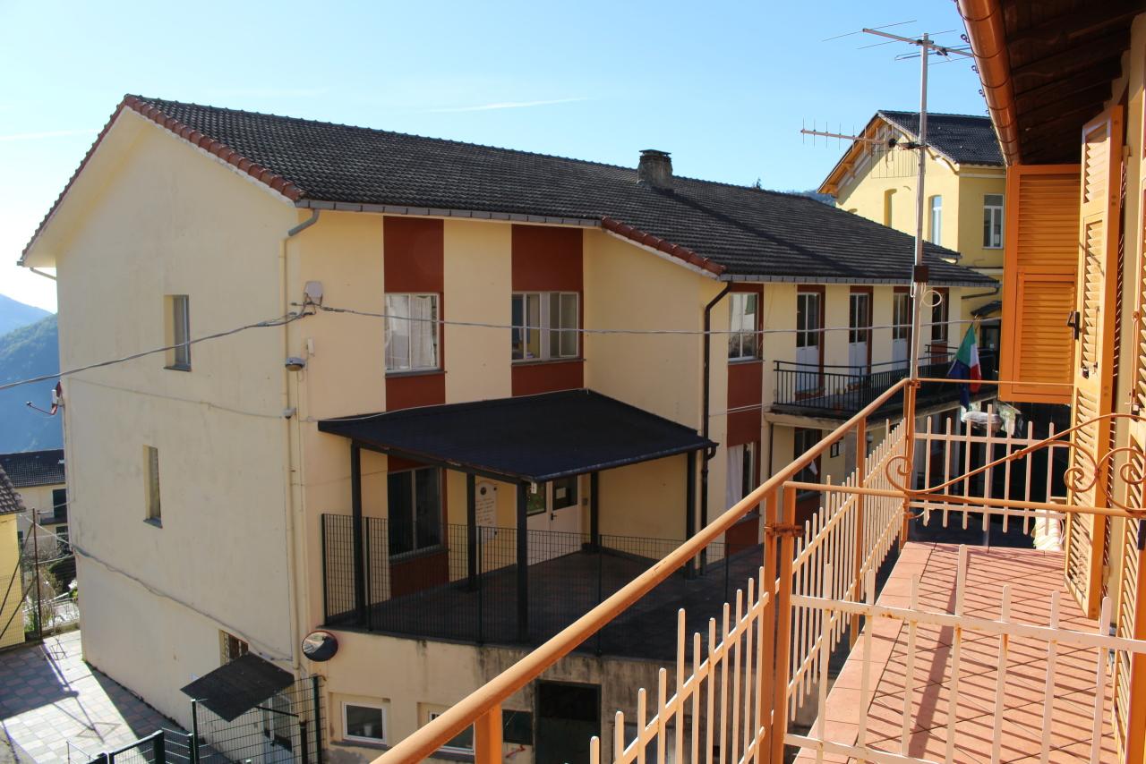 Appartamento in vendita a Uscio, 3 locali, prezzo € 30.000   CambioCasa.it