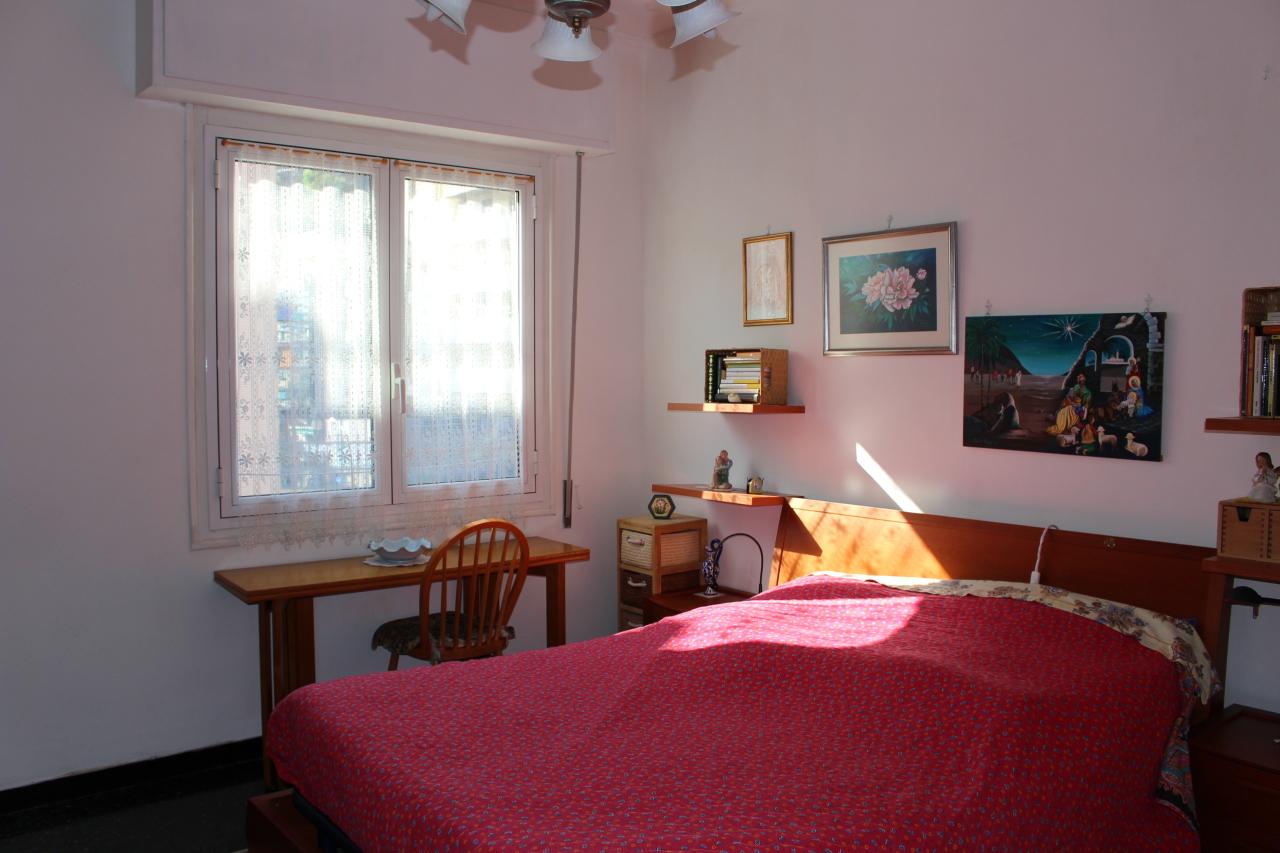 Appartamento in vendita a Recco, 6 locali, prezzo € 229.000   CambioCasa.it