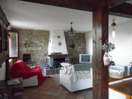 Casa, Castel Vittorio