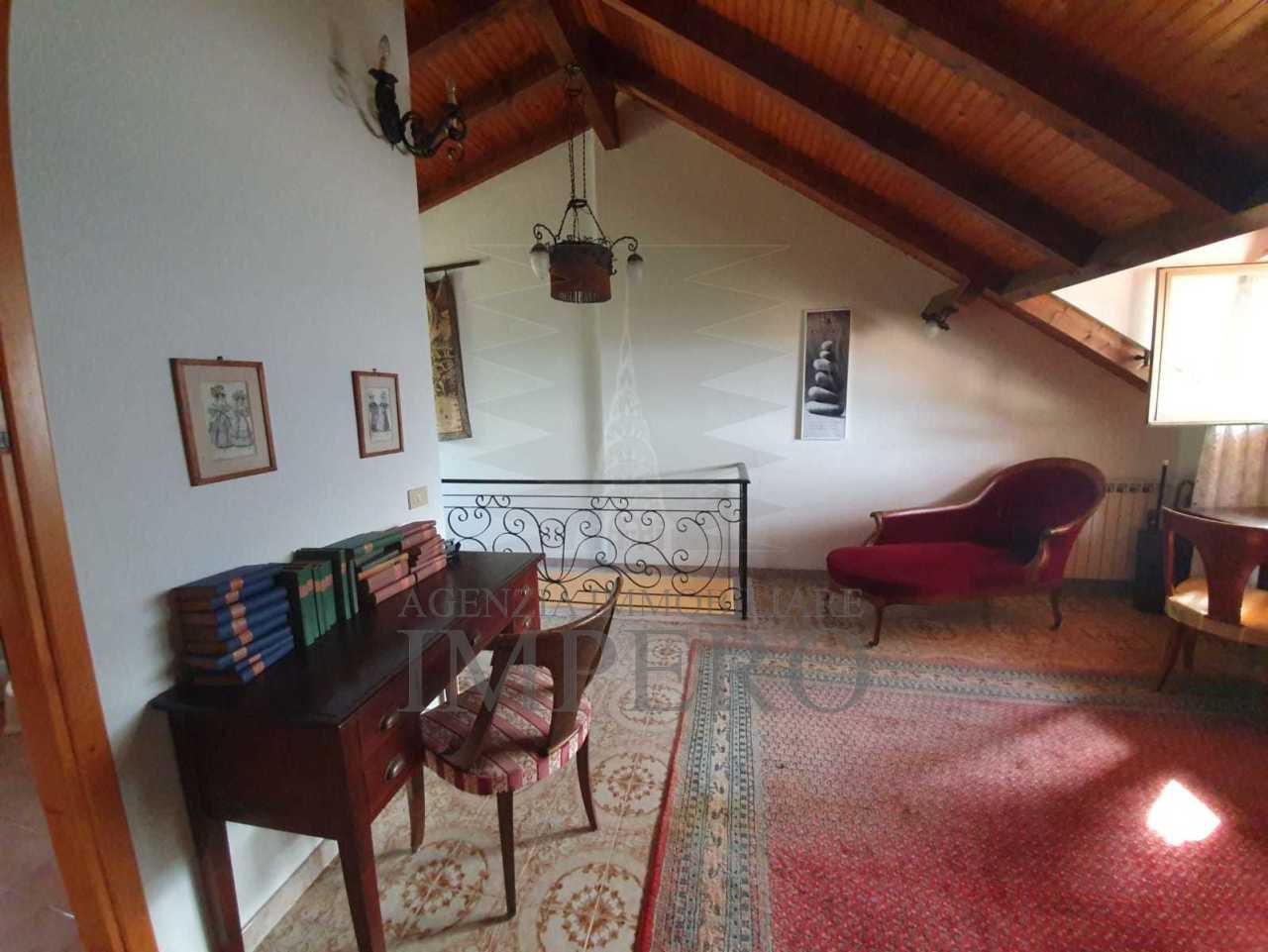 Soluzione Semindipendente in vendita a Ventimiglia, 5 locali, prezzo € 240.000   CambioCasa.it