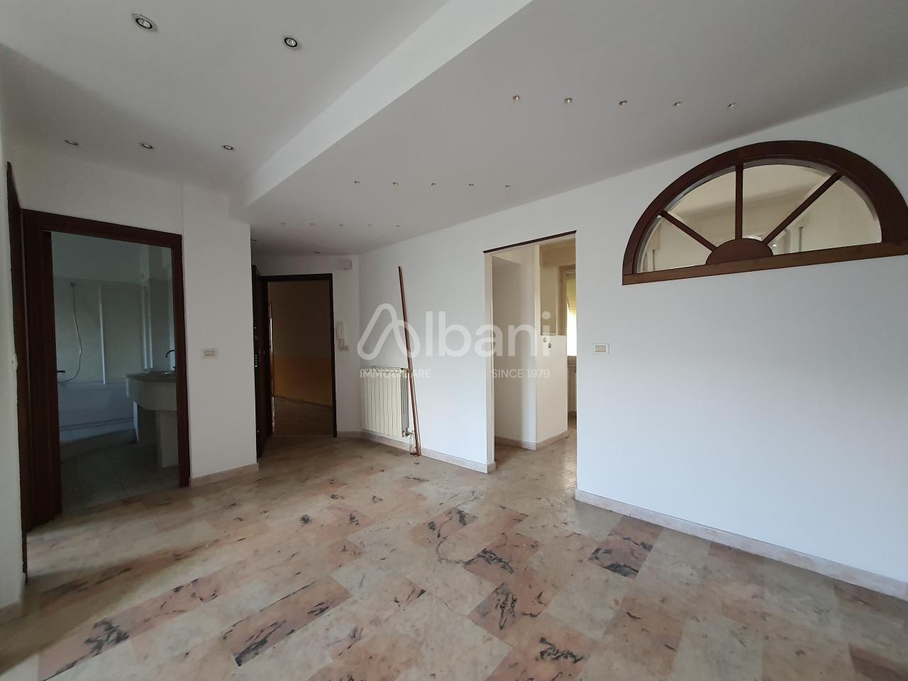 Appartamento in vendita a Vezzano Ligure, 5 locali, prezzo € 115.000 | PortaleAgenzieImmobiliari.it