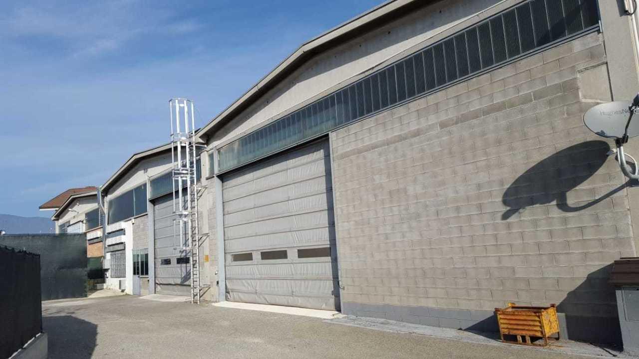 Capannone / Fondo - Industriale/Artigianale a Alpignano Rif. 12241181