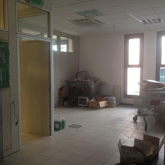 Ufficio / Studio in affitto a Spoleto, 15 locali, prezzo € 3.500 | CambioCasa.it