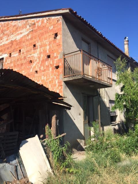 Porzione di casa in discrete condizioni in vendita Rif. 8908480