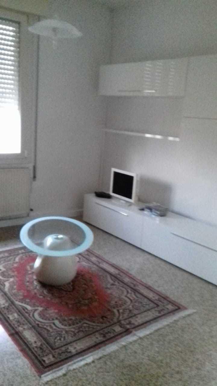 Appartamento in vendita a Polesella, 5 locali, prezzo € 39.000 | CambioCasa.it