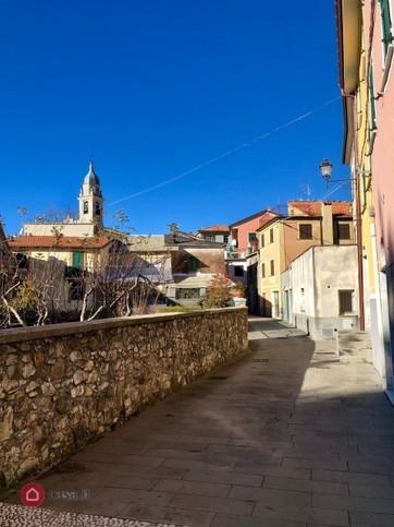 Appartamento in vendita a Ne, 6 locali, prezzo € 65.000   CambioCasa.it