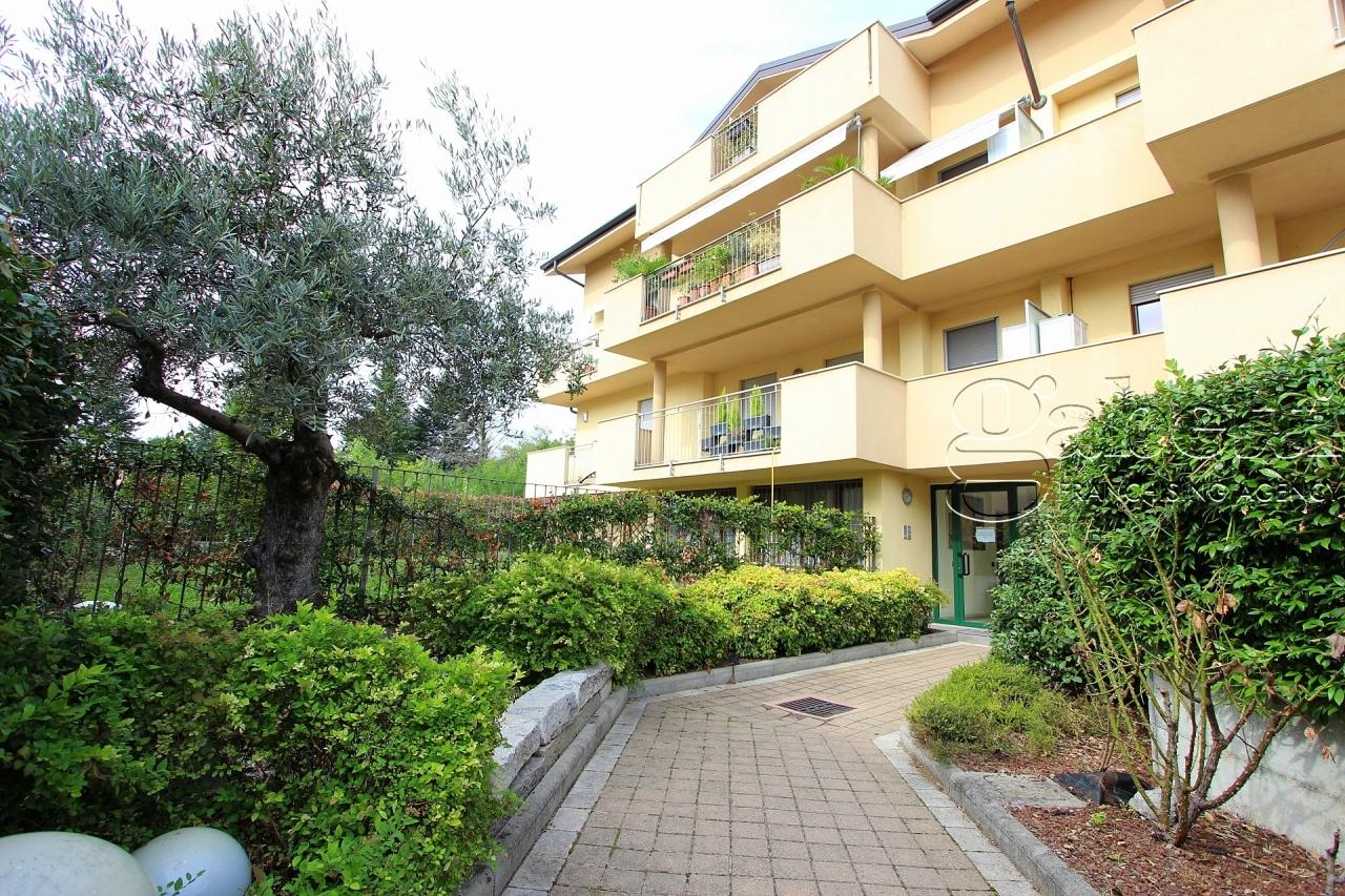 Appartamento in ottime condizioni in vendita Rif. 11255664