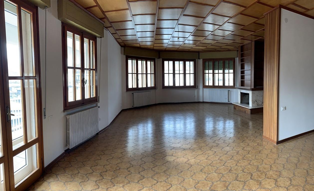 Appartamento ristrutturato in affitto Rif. 11365391