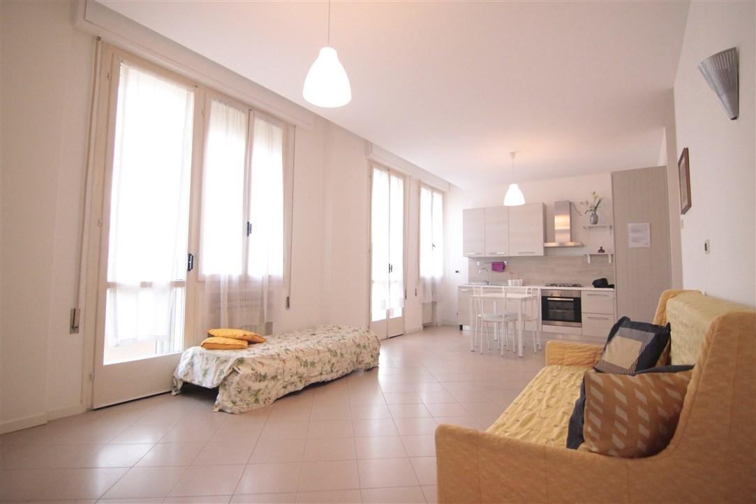 Appartamento da ristrutturare arredato in vendita Rif. 9552281
