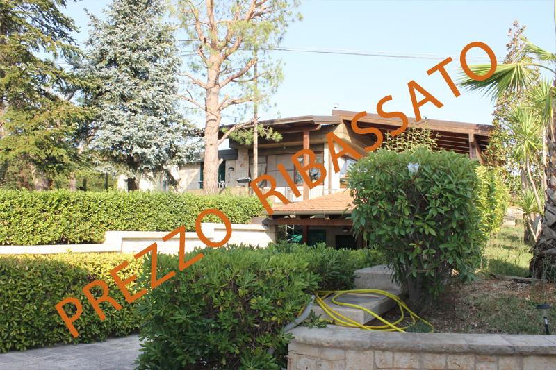 Villa in buone condizioni in vendita Rif. 9240031