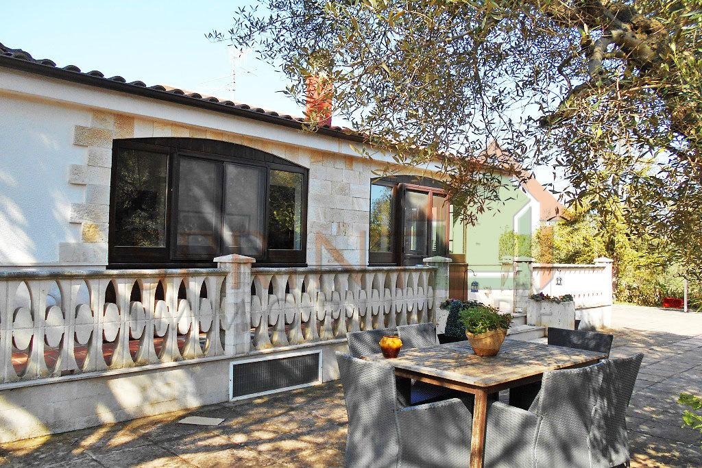 Villetta a schiera in buone condizioni in vendita Rif. 10287885