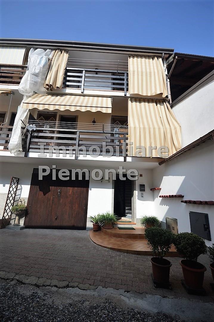 Appartamento in vendita a Borgomanero, 3 locali, prezzo € 135.000 | CambioCasa.it