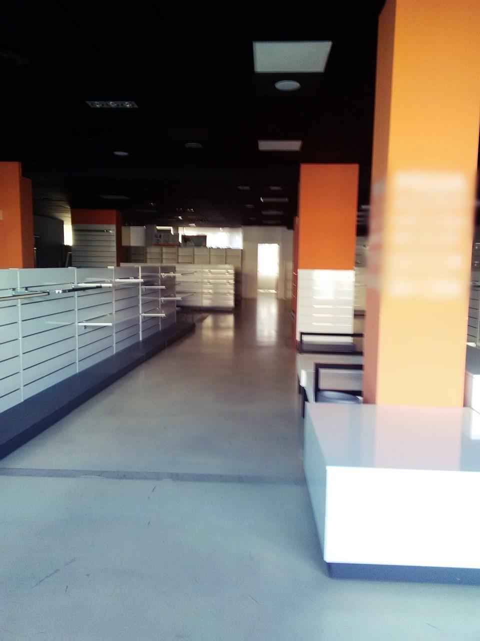 Locale commerciale - 2 Vetrine a Zona Sud, Brescia