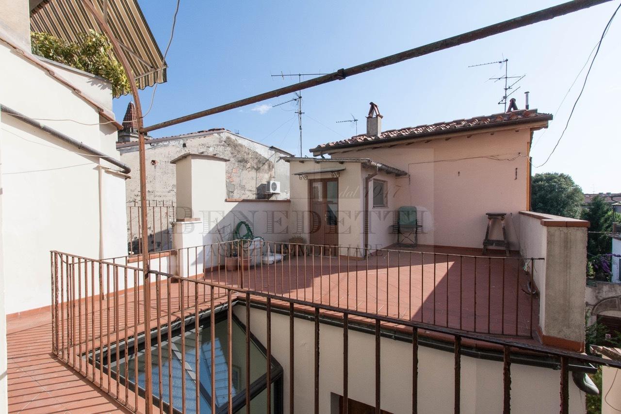 Appartamento in discrete condizioni in vendita Rif. 10133212