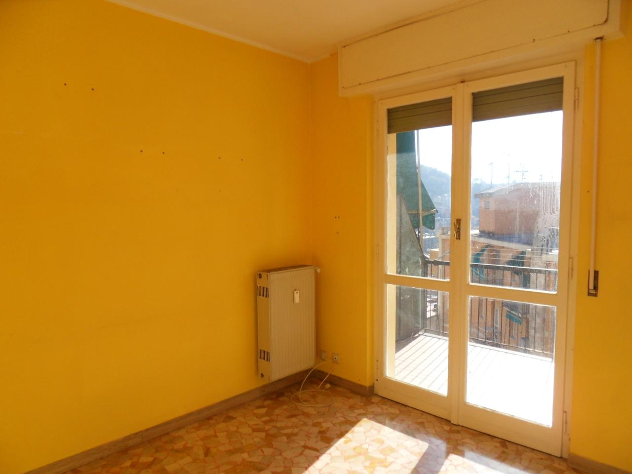 Appartamento in affitto a Recco, 5 locali, prezzo € 470 | CambioCasa.it