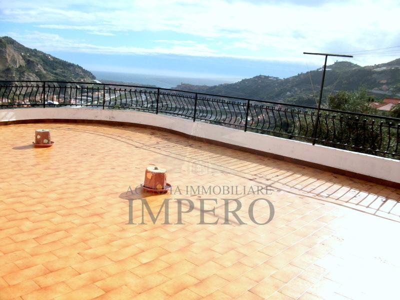 Attico / Mansarda in vendita a Ventimiglia, 2 locali, prezzo € 150.000 | PortaleAgenzieImmobiliari.it