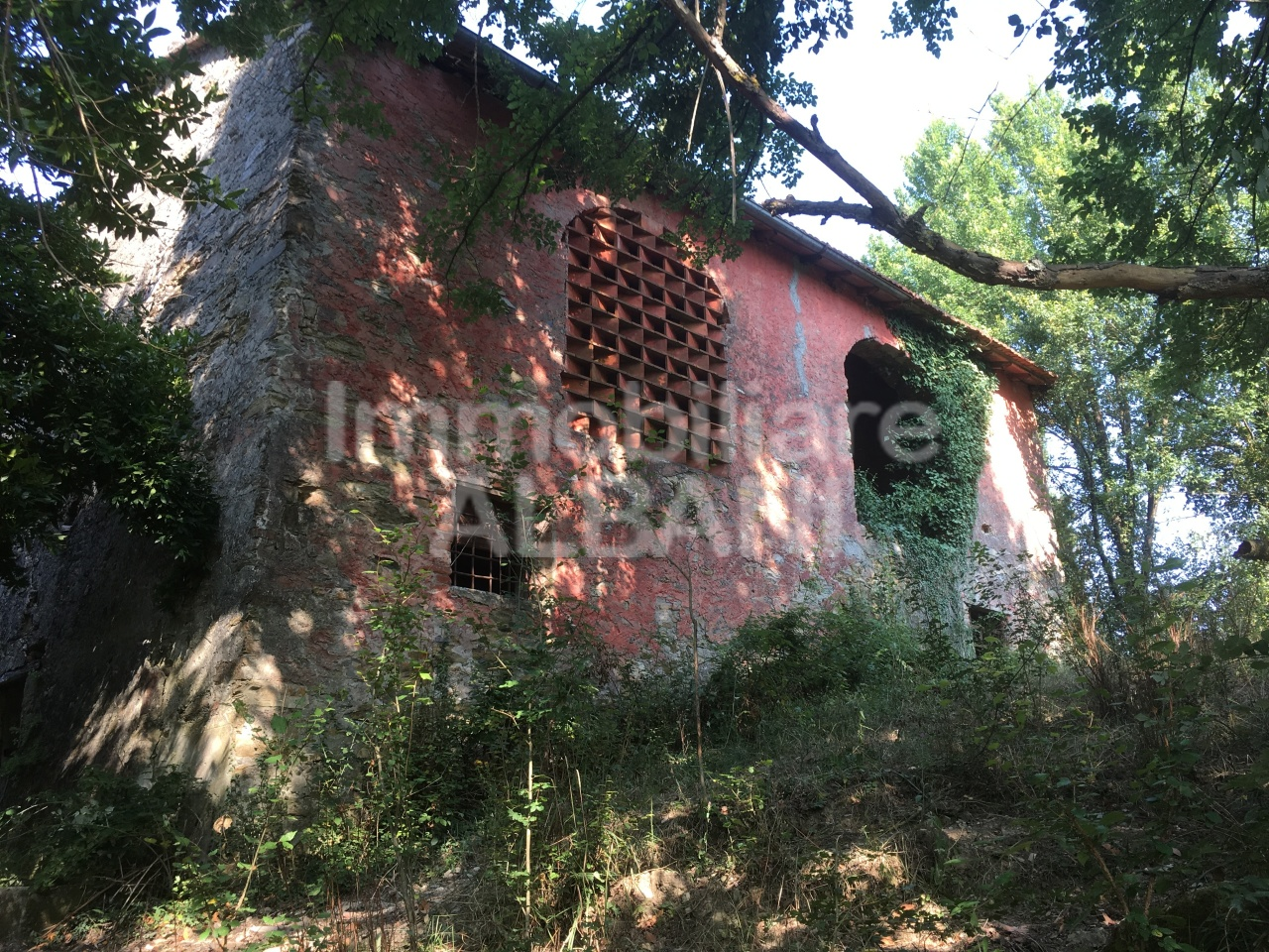Rustico / Casale in discrete condizioni in vendita Rif. 8072889