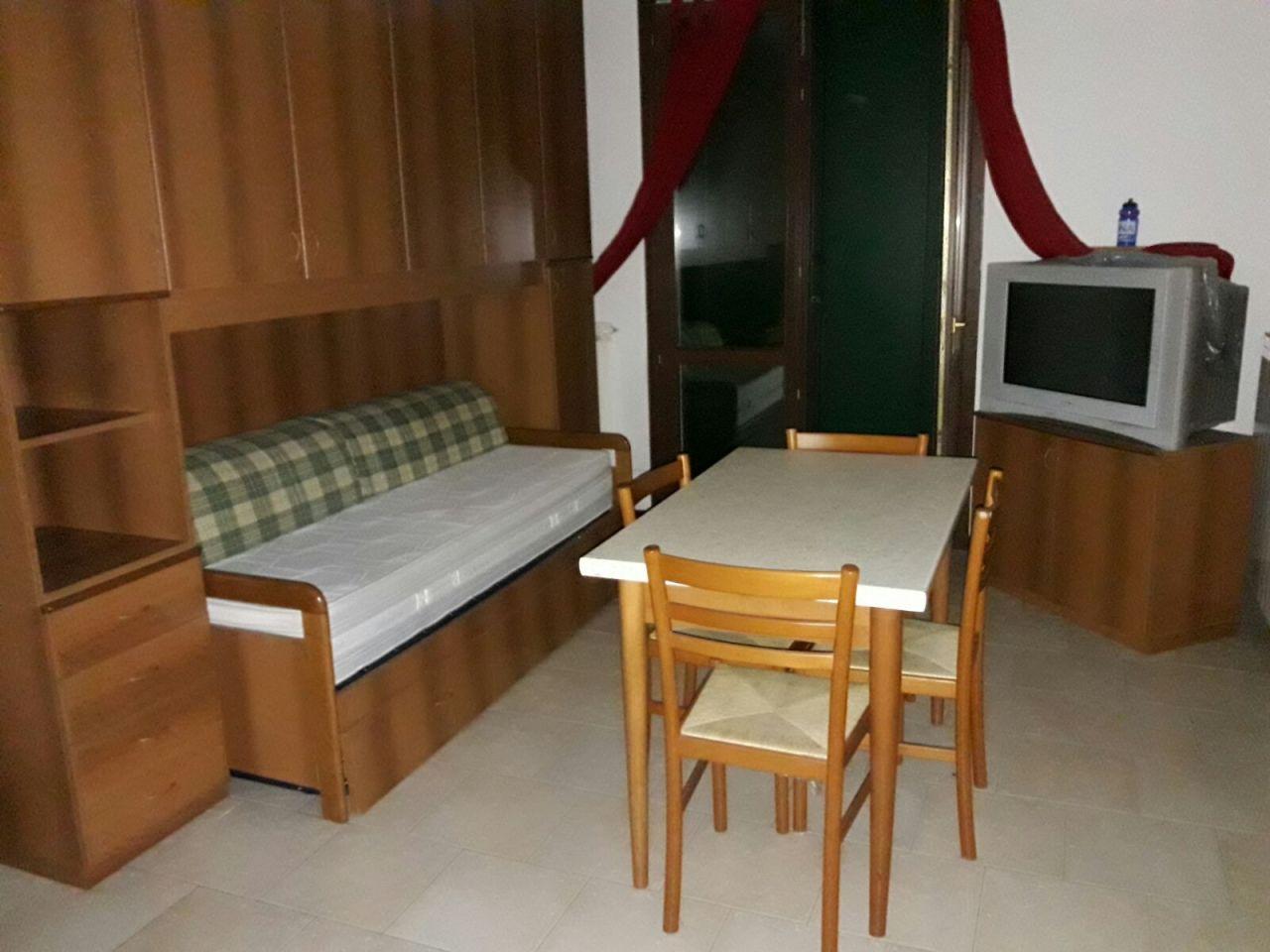 Appartamento in ottime condizioni in affitto Rif. 8463465