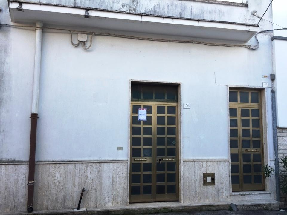 Appartamento da ristrutturare in vendita Rif. 4137818