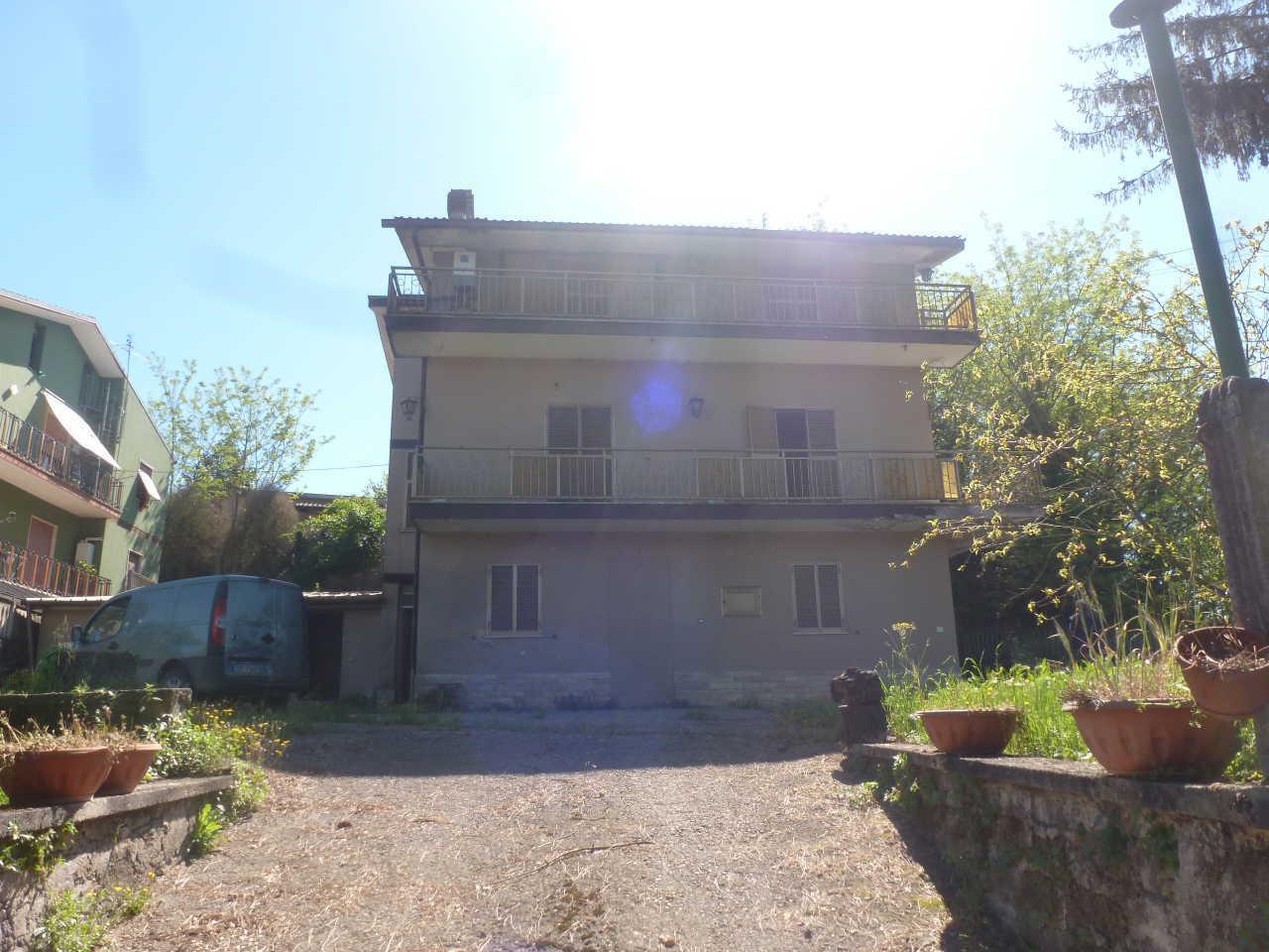 Casa Indipendente in discrete condizioni in vendita Rif. 8368504