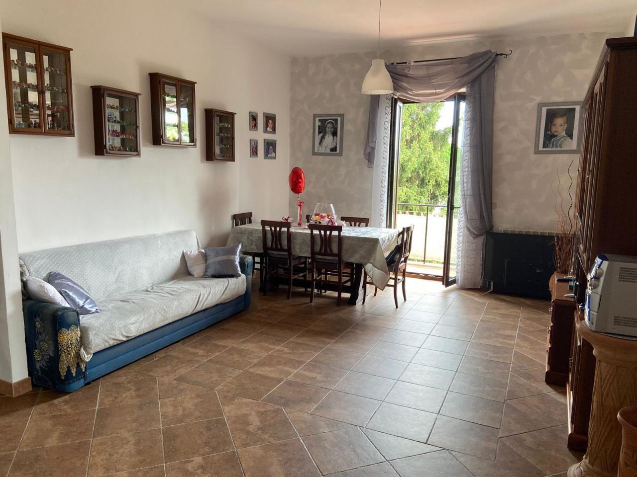 Appartamento in vendita a Cave, 4 locali, prezzo € 89.000   CambioCasa.it