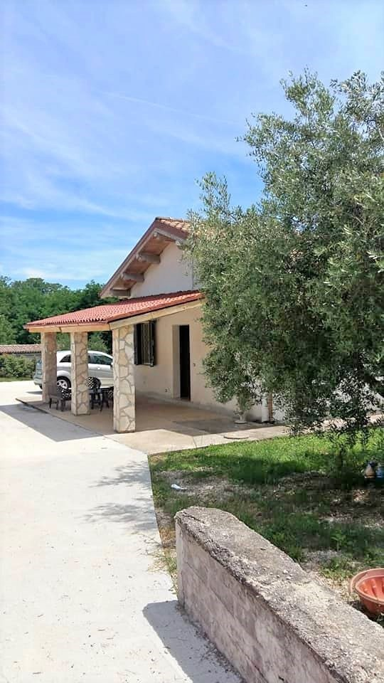 Villa in vendita a Cave, 3 locali, prezzo € 107.000 | CambioCasa.it