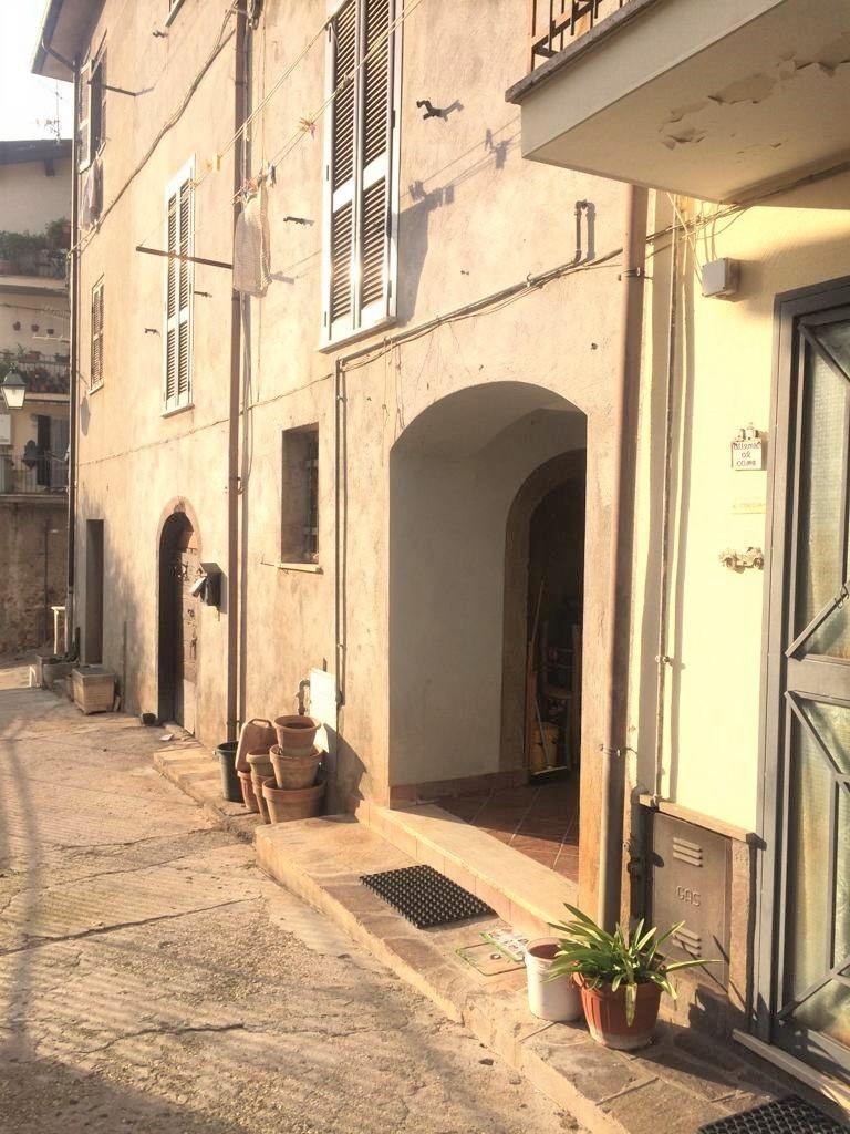 Appartamento in vendita a Palestrina, 5 locali, prezzo € 130.000 | CambioCasa.it