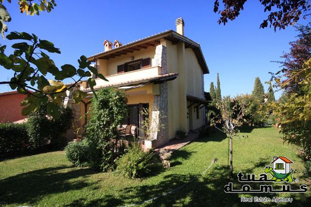 Casa Indipendente in ottime condizioni in vendita Rif. 4171166
