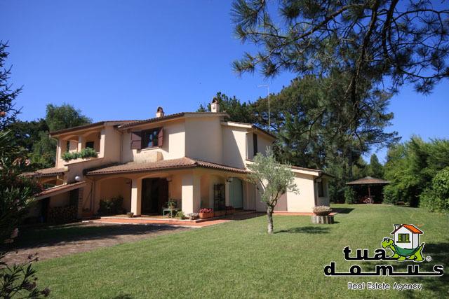Villetta a schiera in buone condizioni in vendita Rif. 4171198