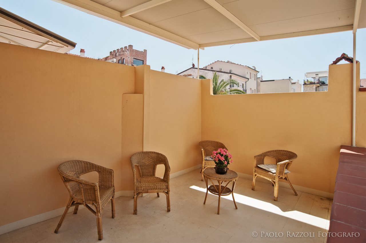 Appartamento in ottime condizioni arredato in affitto Rif. 10090793