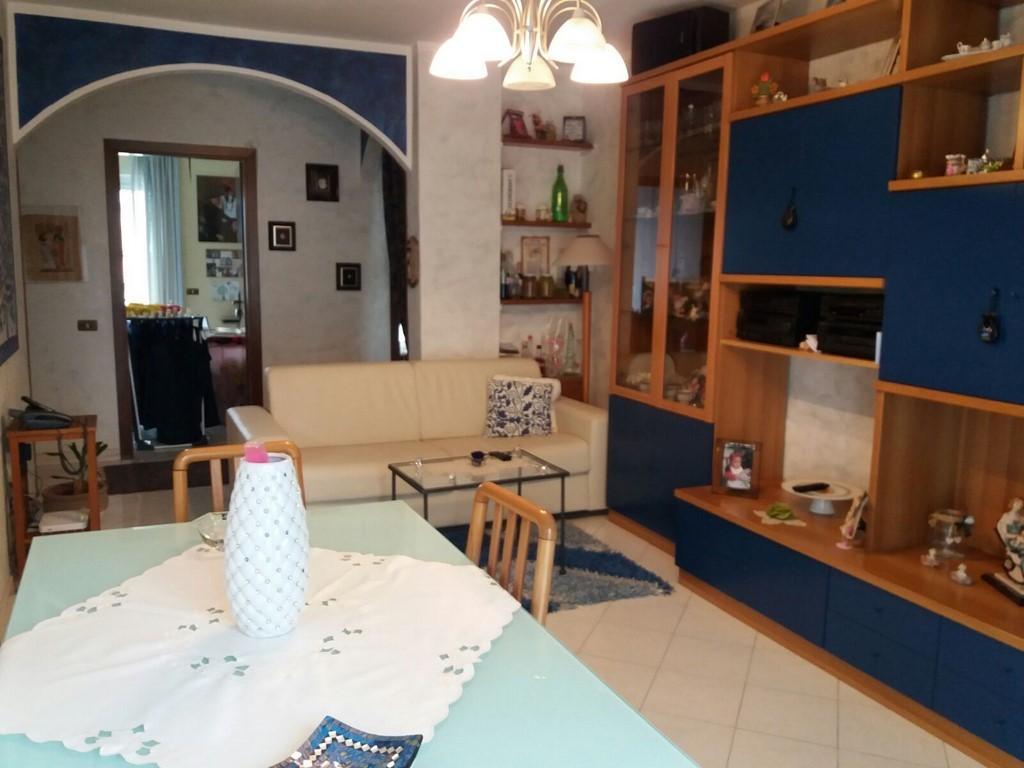 Appartamento in ottime condizioni in vendita Rif. 7806698