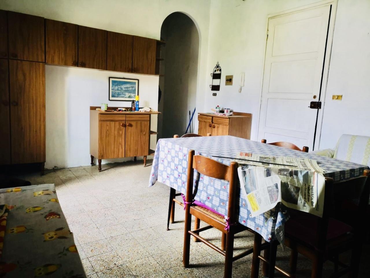 Appartamento in discrete condizioni in vendita Rif. 10297765