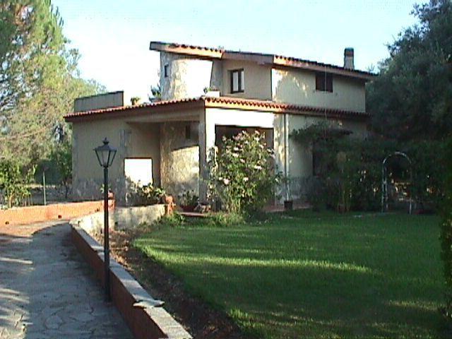 Villa in buone condizioni in vendita Rif. 9670658
